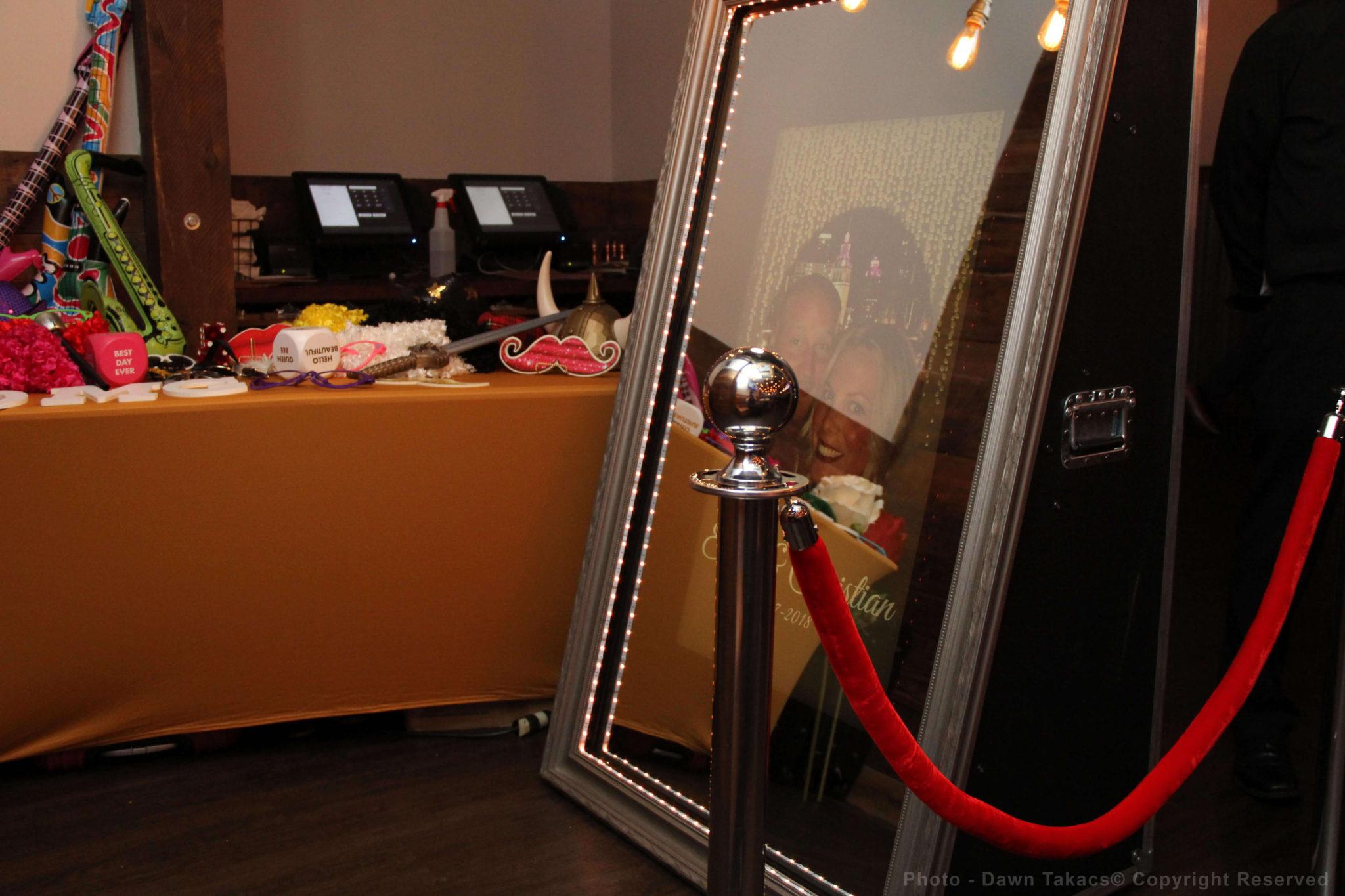 Mirror booth start screen